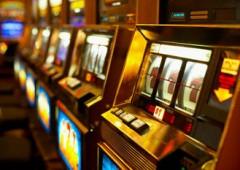 Chi controlla il gioco d'azzardo, terza industria per fatturato in Italia