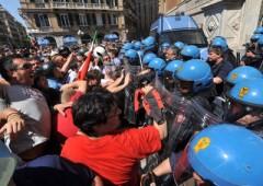 Fincantieri, la rabbia degli operai non si placa. Proteste a Genova