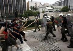 Wall Street pressata da dati e Grecia, avvio no