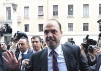 Angelino Alfano nuovo segretario clone del PDL, un partito ancora finto