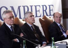 Manovra alla greca: spuntano privatizzazioni. Corsa contro il tempo