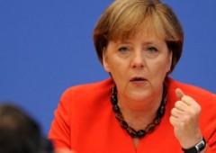 Accordo Ue: Merkel nell'occhio del ciclone in patria