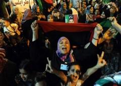 Libia: fine Gheddafi più vicina, Tripoli e tv di stato ai ribelli