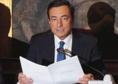 Draghi: attenzione Italia, acquisti Bce solo temporanei