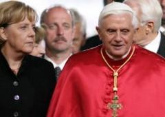 Siamo al capolinea: Merkel si consulta con il papa sulla crisi finanziaria