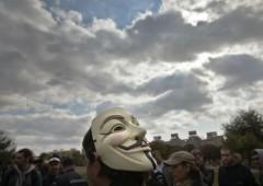 Indignados in una filiale di Citibank per chiudere il conto: arrestati