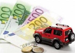 Assicurazioni: prezzi rc auto sempre più giù, ai minimi dal 2012