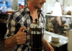 Risparmio: per investire basta rinunciare a un caffè e un giornale