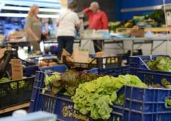 Famiglie: cala ancora il potere d'acquisto, meglio risparmiare