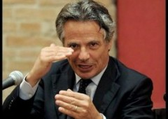 Banche italiane non ci stanno: paghiamo piu' di chi ha causato crack