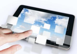 Cloud e intelligenza artificiale guidano l'innovazione per banche e assicurazioni
