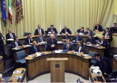 Veneto: fuori busta ai consiglieri 2.100 euro al mese esentasse