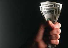 Fermate il trattato fiscale: l'appello di oltre 120 economisti