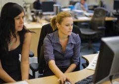 Womenomics: occupazione femminile produce più ricchezza