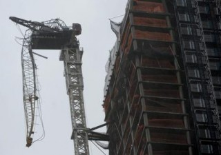 Uragano Sandy: New York in ginocchio, black out. Spente tre centrali nucleari. Oltre 100 morti