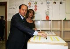 """Travaglio: """"Nessuno tocchi Tonino"""", Ma l'IdV cambierà leader"""
