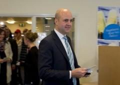 Svezia: premier Reinfeldt scampa ad attentato