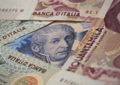 Burocrazia, debito e Bankitalia: gli italiani non possono cambiare lire in euro