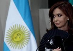 """Da Fitch maxi downgrade Argentina, """"probabile"""" un default"""