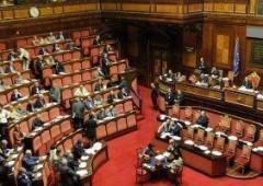 Tagli alla Casta. Berlusconi paralizza il Senato