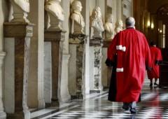 Roubini: dopo sentenza Argentina, Grecia rischia grosso