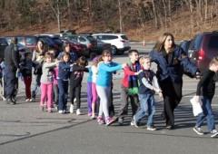 Usa, massacro in una scuola elementare: 27 morti, tra cui 20 bambini