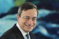 Bce e il dilemma tassi: Draghi steccherà la prima?