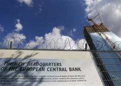 Bce lascia tassi invariati allo 0,75%. Draghi: rischi al ribasso
