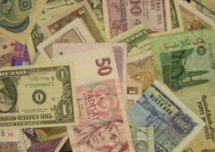 Iran: stop all'uso di dollari ed euro in scambi internazionali