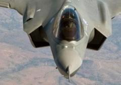 Caccia F35 può esplodere con un fulmine. Beffa per l'Italia