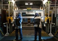 Borsa Milano recupera dai minimi, spread torna sopra 290