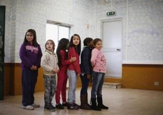 Crisi debito: un bambino su tre spinto in condizioni povertà