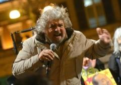 """Grillo: """"vado in televisione, anzi no"""". Bersani: """"teme le domande"""""""
