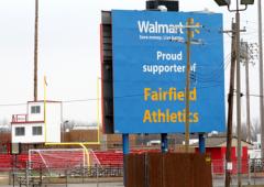 Come Wal-Mart sta assumendo il controllo delle città Usa