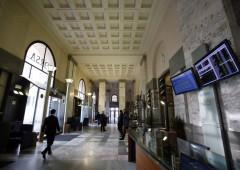 Borsa Milano dimezza le perdite, ma paga conti BP