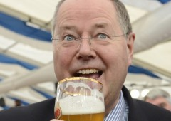 """Leader SPD Germania: """"Eletti due clown"""". Napolitano costretto ad annullare riunione"""