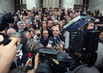 "Parlamentari PdL in marcia al Tribunale. ""Napolitano intervenga"""