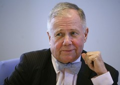 Jim Rogers agli investitori: scappate subito dalle banche