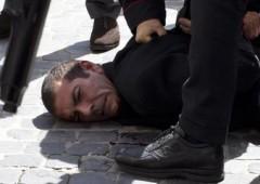 """Spari a Palazzo Chigi, feriti due carabinieri. L'attentatore: """"Puntavo a colpire i politici"""""""