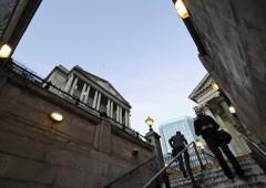 Non solo bond, banche centrali comprano titoli azionari