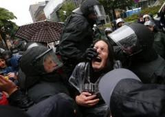 Occupy Bce: oltre 2.000 bloccano accesso a Eurotower