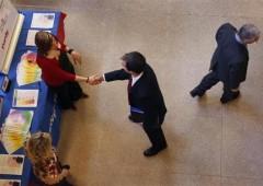 Wall Street in rialzo, mentre gli altri mercati calano