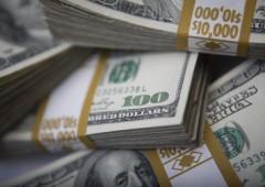Wall Street debole, dati macro alimentano timori Fed