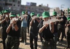 "Hamas inaugura i campus estivi del ""terrore"""
