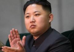 Nordcorea, funzionari ricevono manuale Hitler in dono