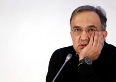 Fiat: dovrà aspettare mesi per fusione Chrysler