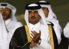 Qatar: emiro cede trono al figlio, Ben Hamad Al Thani