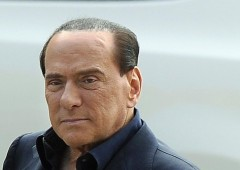 Berlusconi: si allontana di un anno interdizione da politica