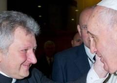 Ior, il n.1 Ricca è gay e Papa Francesco vuole cacciarlo