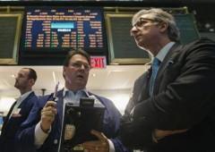 Borsa Milano chiude in calo, dietrofront dell'euro
